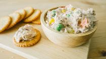 離乳食後期に楽しむツナレシピ。冷凍保存や油抜きの方法について