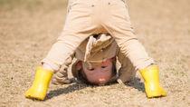 3歳の子どもと楽しむ外遊び。おもちゃを使う遊びなど