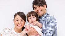 赤ちゃんと家族写真を撮ろう!服装の準備など撮影のコツや保存方法