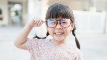 子どもの眼鏡は医療費控除の対象?保険適用範囲と助成について