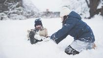 子どもいっしょに雪遊びを楽しもう!定番の雪遊びやゲームのアイディア