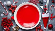 クリスマスにケーキやデザートを盛りつけるプレートを用意しよう