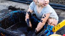 頑固な泥汚れを落とすとき。洗剤の選び方や洗い方の工夫は?