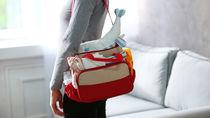 子育てに便利なマザーズバッグ。リュックかトートどちらを選ぶ?