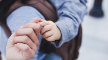 妊娠中の抱っこ紐はいつまで?抱っこ紐を使わない工夫を調査
