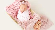 生後2カ月の赤ちゃんの寝相アート。簡単な作り方や撮るときのコツ
