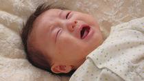 夜泣きをほっとくことはある?新生児から1歳頃まで時期別での対応