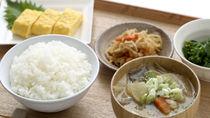 豚汁に合う主食やおかずとは。炊き込みご飯や和風サラダの簡単なレシピを紹介