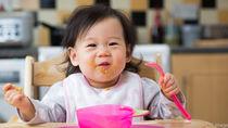 カミカミ期の赤ちゃんの離乳食はいつから?月齢を参考にするなど