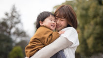 幼児の抱っこはいつまで?抱っこの仕方や便利な補助アイテム
