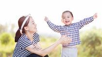 子どもと楽しむ手遊び。春夏秋冬の季節を感じられる遊び歌とは