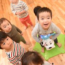 【保育園で子どもたちが体験!】 赤ちゃんの成長をサポートする仕掛けいっぱい!育児グッズ3アイテムをレポート