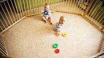 大きいベビーサークルはどう使う?双子育児やずりばいの赤ちゃんに
