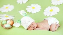 生後3ヶ月になる赤ちゃんの寝相アート。撮影準備やアイデア