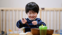 子どもがいる家族の夜ご飯事情。食べる時間や繰り返し作るメニュー