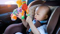 移動時に役立つ幼児用のおもちゃ。車や飛行機、電車などで移動するとき