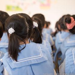 卒園式の女の子の髪型。簡単なロングヘアのアレンジ方法