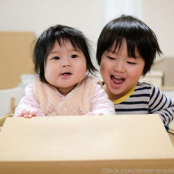 1歳3カ月頃の子どもが楽しめる室内遊び。手作りおもちゃのアイディア