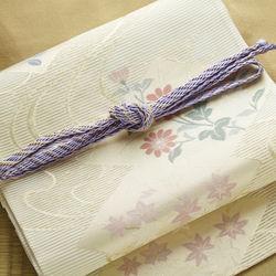 入学式の着物にあわせる帯。選び方や結び方のコツ