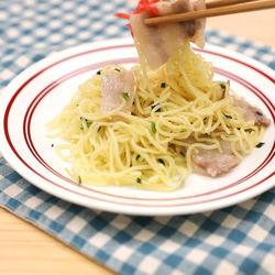 時短調理に。中華麺を使った簡単豚バラ塩焼きそば