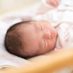 生後2カ月の赤ちゃんのお昼寝。時間帯や長さなど