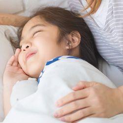 話題の男性保育士、てぃ先生が教える。子どもの上手な寝かしつけ方