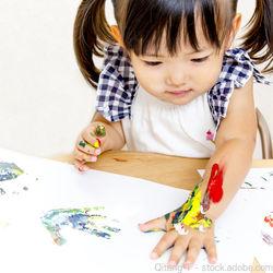 親子で作る手形アート。作り方や作品のアイデア