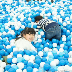 雨の日の子どもの遊び。家やお出かけ先での遊び方