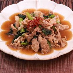 簡単時短レシピ。小松菜と豚こまのとろみ炒め