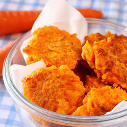1歳児がよろこぶパンケーキ。卵なしや野菜を使ったアレンジレシピ