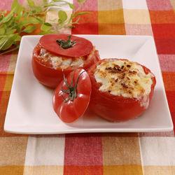 器ごと食べられる!トマトカップのミートグラタン