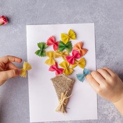 母の日に贈る手作りカード。子どもと楽しく作るアイディア