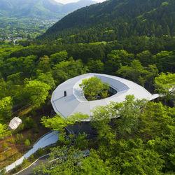 箱根・仙石原の森に佇む滞在型ホテル「LIME RESORT HAKONE」が10月1日(木)にオープン