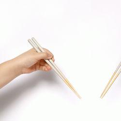 カトラリーのような箸「STIIK」から待望のキッズラインが発売中