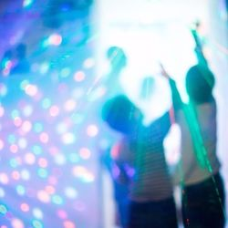 コンサート、体験、遊び道具…子どもは「ホンモノ」を求めている