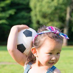 幼児期の成長に重要な外遊びやボールを使った運動の種類