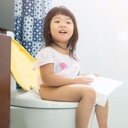 トイレトレーニングっていつから始めるのがベストか。そのやり方やコツは