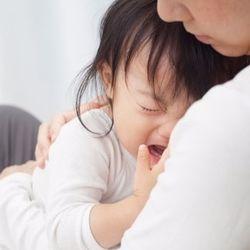 1歳、1歳半の夜泣きは何が原因?夜中の授乳事情とママたちが実践した対策