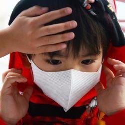 子どもの医療費は自治体によりさまざま、無料や所得制限など制度について