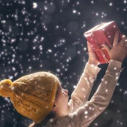 子どもが喜ぶクリスマスプレゼントのおもちゃ。選び方と聞き出す方法