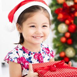 4歳児が喜ぶクリスマスプレゼント。贈るものや予算、演出方法など