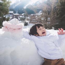 寒い冬でも元気に遊ぼう!男の子に人気の外遊びやおもちゃ