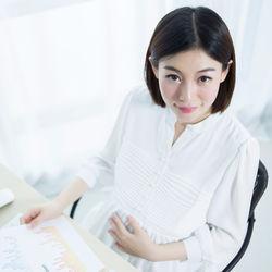 妊娠した女性が仕事を続ける理由、辞める理由とは