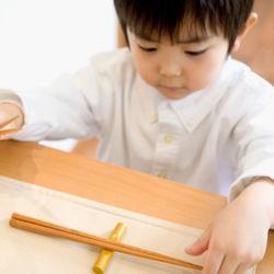 3歳〜6歳の食事マナー。家庭で取り組むご飯の食べ方やお箸の使い方