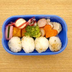 1歳から2歳の子どもが喜ぶ保育園のお弁当。遠足のときの工夫や簡単レシピ