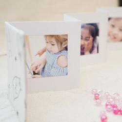 幼稚園の卒園でアルバムを先生へプレゼント。簡単に手作りできるデザインや作る際の注意点