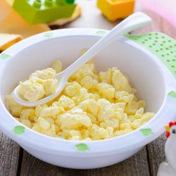 離乳食完了期の卵はどう進めていくの?ママたちの体験談やレシピを紹介