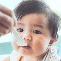 離乳食後期の卵はどう取り入れるのか?ママたちの体験談やレシピを紹介