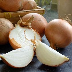 離乳食完了期の玉ねぎはどう調理した?レシピやママたちの工夫などを紹介