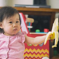 離乳食完了期のバナナはどう進める?子どもが食べやすいレシピやアレンジ方法